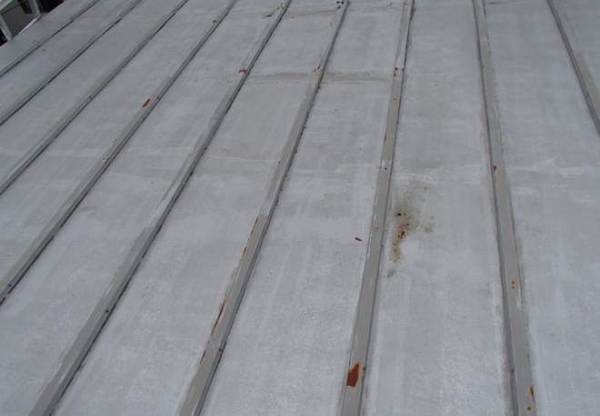 千葉市中央区大巌寺町で築40年になる貸家の瓦棒屋根から雨漏りが発生し調査にお伺いしました