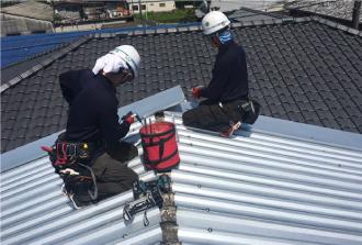耐久性の高い屋根材でのカバー工事