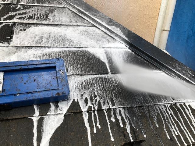 バイオ洗浄を行っている屋根