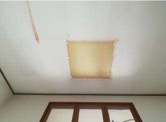 雨染み補修のための内装工事