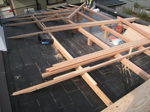 三島市雨漏り屋根カバー下地