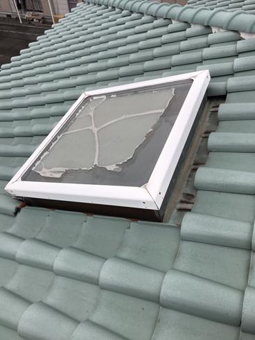 三島雨漏り天井剥がれ天窓