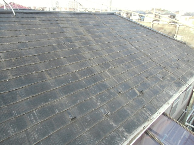 塗膜の劣化が見られる屋根