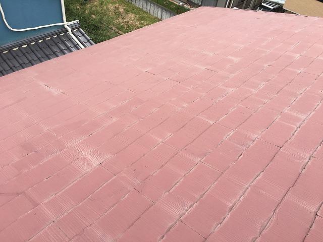 雨染みが見られる屋根