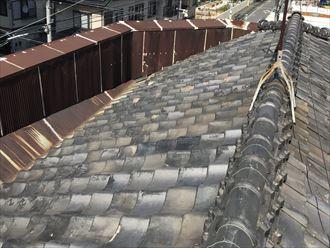 瓦屋根とパラペット