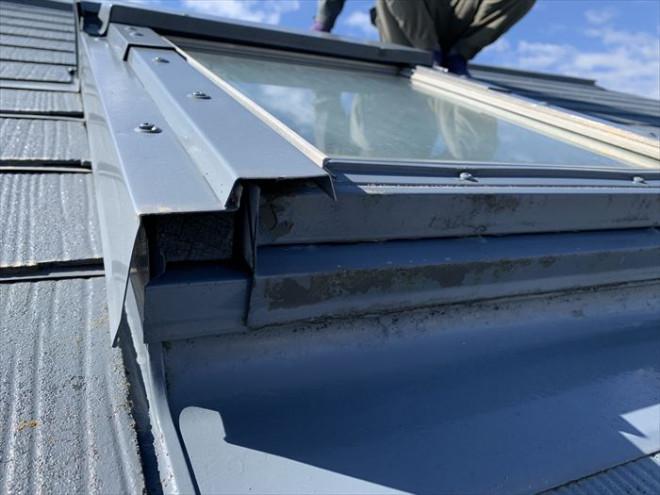 茂原市緑ケ丘にて台風時に雨漏りが発生した天窓(トップライト)の調査を実施