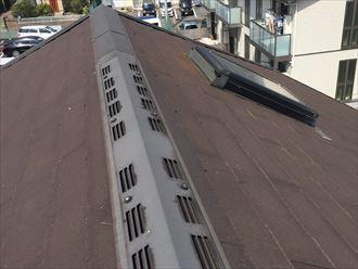 換気棟付きの屋根