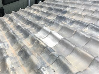 葛飾区立石にて台風の影響で浮きやズレが生じ雨漏りを起こしている瓦屋根の調査を実施しました