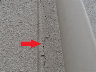 印西市大森の3年前に防水工事を行った鉄骨造建物で風向きによって起こる雨漏りを調査