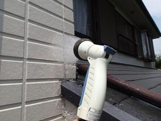 横浜市都筑区高山にて散水試験を行い雨漏り箇所を特定!外壁目地の劣化が原因でした
