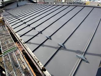 屋根カバー工事で雨漏りを解消