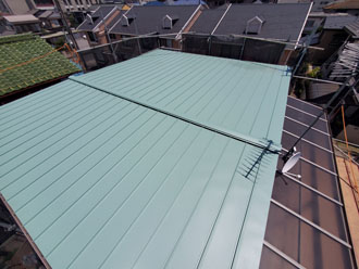 瓦棒からスタンビー455の屋根に葺き替え