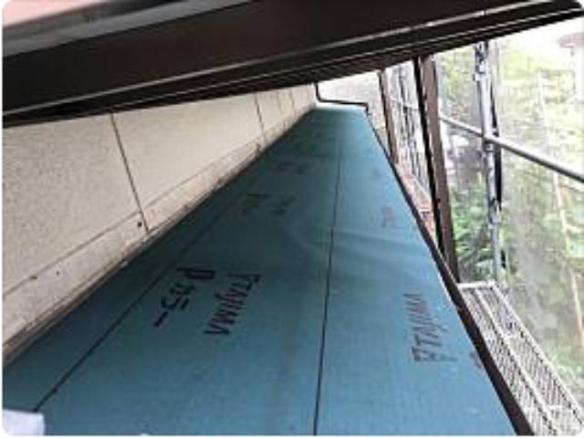 防水シートを貼った下屋根