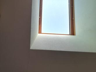 三鷹市牟礼で天窓のからの雨漏りに屋根葺き替え工事をご提案