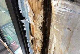 外壁内部にある透湿防水シートの破れ、腐食