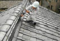 屋根調査の様子