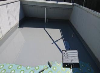ウレタン防水材の塗布(2回塗り)